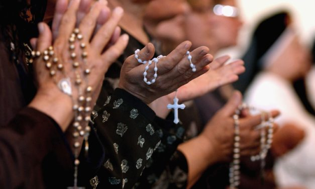 Are There Any Reasons To Pray Rosary Daily? – Is This In Line With Your Beliefs?